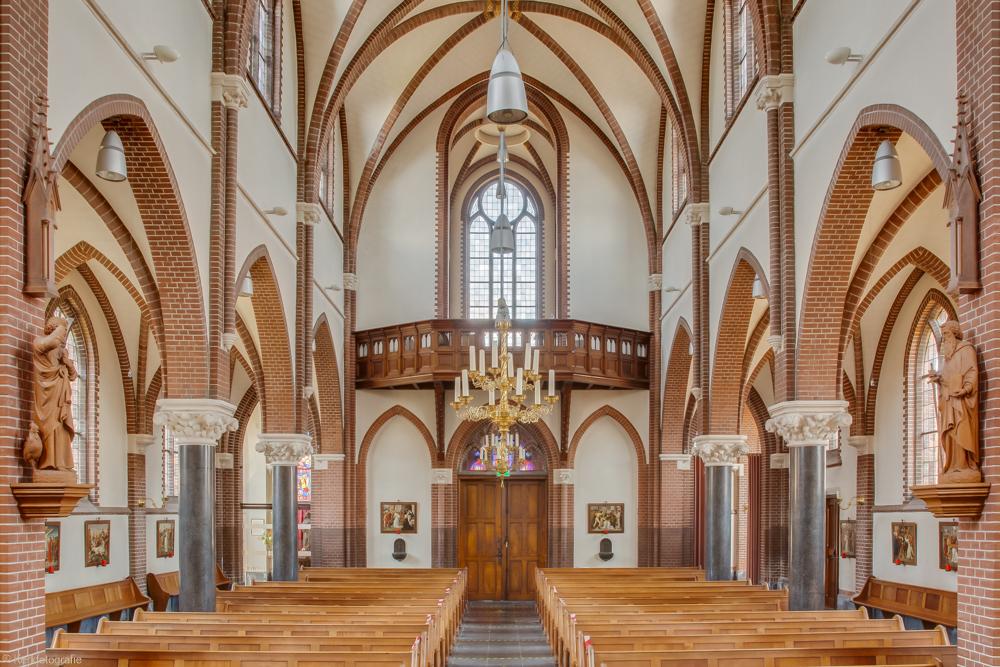 HDR-1975-Sint-Lambertus-Udenhout